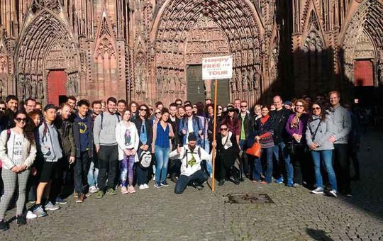 Happy Strasbourg : free tour devant la cathédrale Gabriel